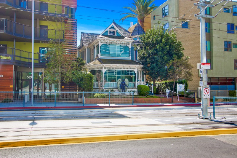 Just Sold in Downtown Santa Monica for$3M