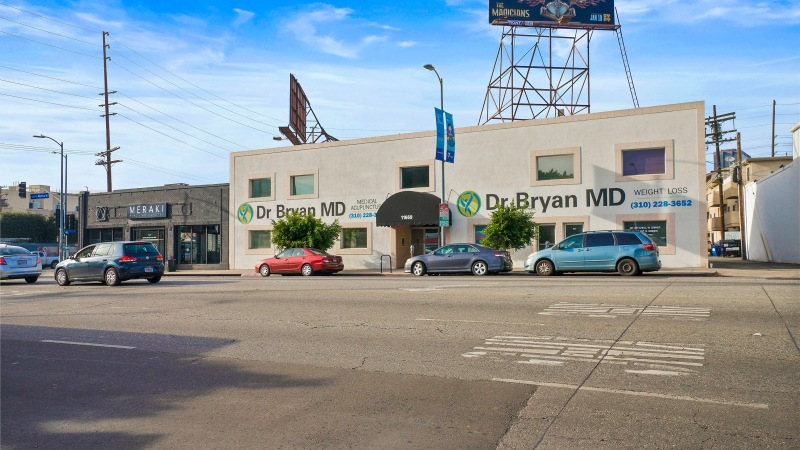 New Listing in West LA: Office/Medical with Billboards Along Santa MonicaBlvd