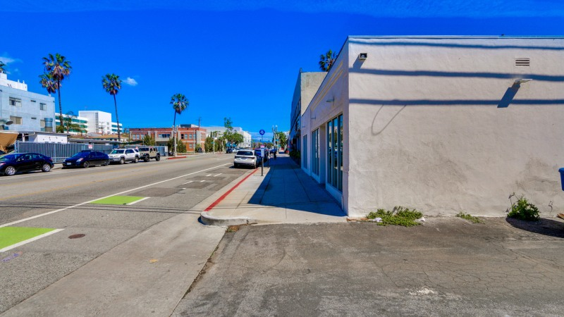 Just Sold in Santa Monica – 1820 Broadway
