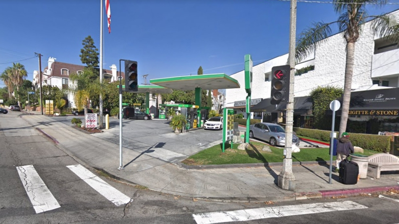COLDWELL BANKER COMMERCIAL WESTMAC ARRANGES $3.68 MILLION SALE OF SERVICE STATION IN LOS ANGELES' UPSCALE BRENTWOOD NEIGHBORHOOD