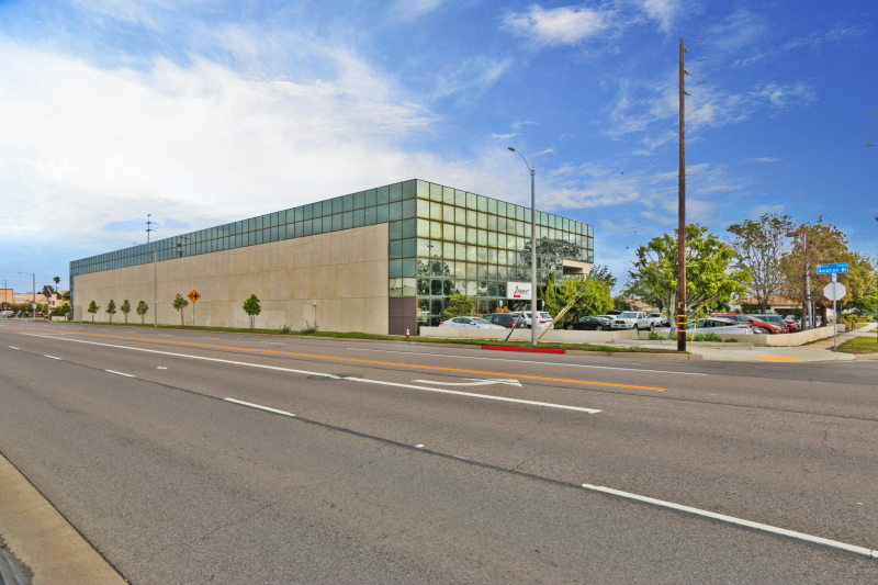 New Listing For Sale:  Leased Office/R&D property – 49k SF building – Value AddOpportunity