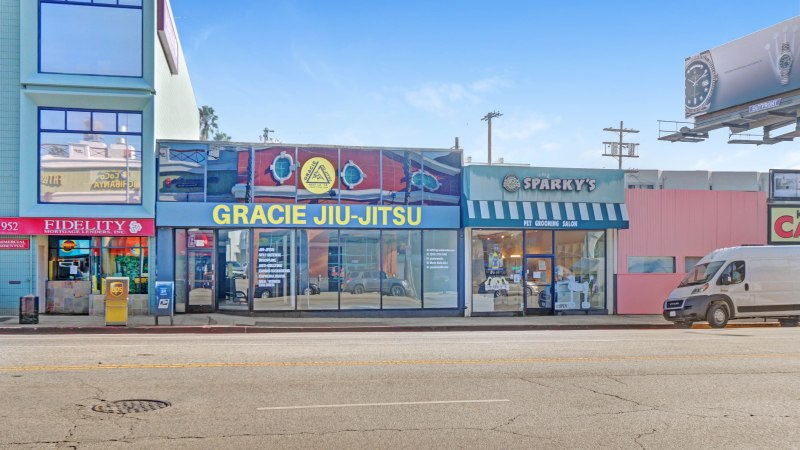 New Listing For Sale or Lease  – +/- 5,465 SF Prime West L.A. Owner-User or Investor Opportunity (Brentwood Submarket)
